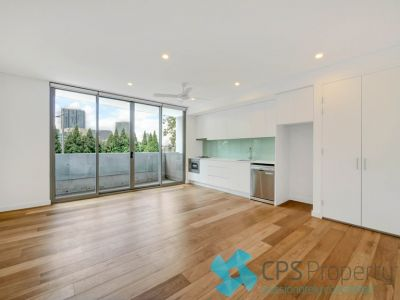 SLEEK EXECUTIVE ONE BEDROOM RESIDENCE IN PRIME INNER CITY POSITION