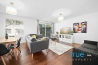 = HOLDING DEPOSIT RECEIVED = STYLISHLY RENOVATED COURTYARD APARTMENT