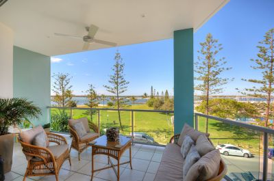 Fully Furnished Luxury Penthouse with Roof Top Terrace and breathtaking views!