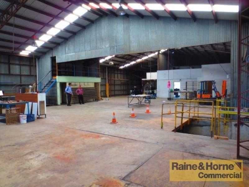 551sqm Freestanding Showroom/Warehouse in Central East Brisbane