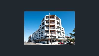 Spacious Split Level Two Bedroom Unit at Central Location