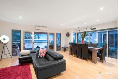 Executive Style Multi-level Townhouse with City Views offering Lifestyle, Security and Convenience