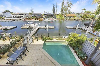 Unbeatable Bridge Free Location - Seconds to Broadwater - 41* Squares