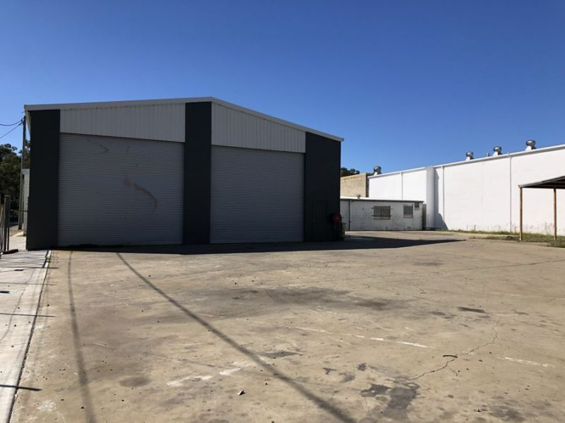 WAREHOUSE with FENCED HARDSTAND ...