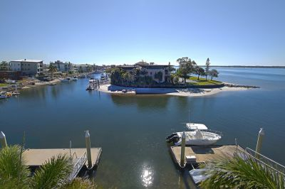 Breathtaking Broadwater Views!