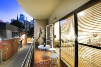 This Is The One - Boutique and Peaceful City Laneway Living!