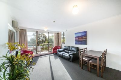 Neat & Tidy 1 Bedroom Central Surfers Apartment