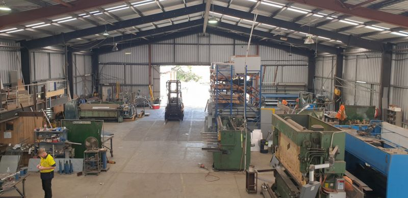 Industrial Warehouse on 4000m2 Allotment in Caloundra