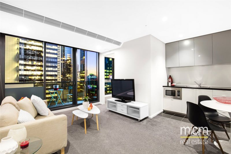 Southbank Grand: Fantastic Two Bedroom with Car Space and Study Area!