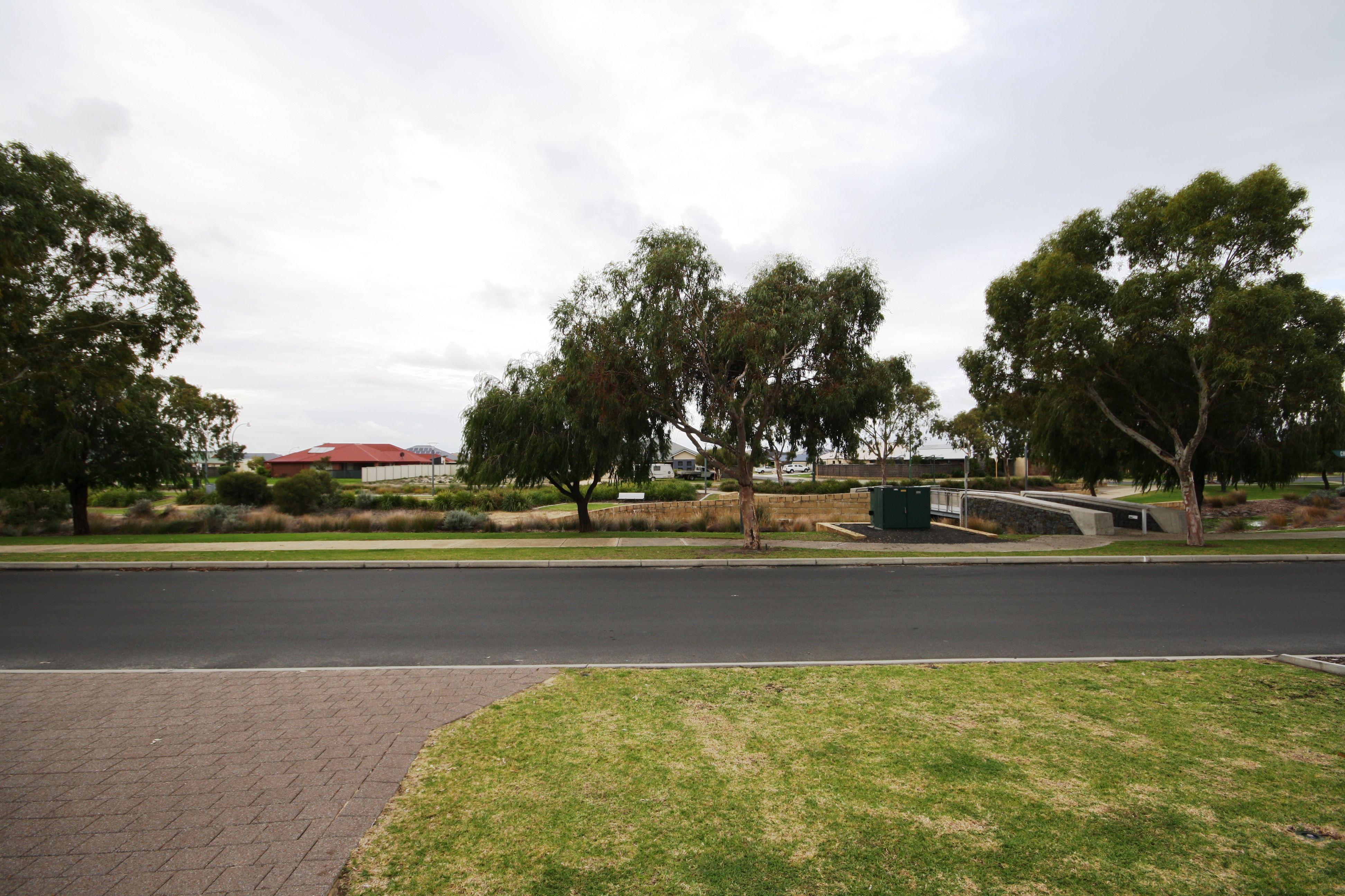 14 Chrysoberyl View, Australind
