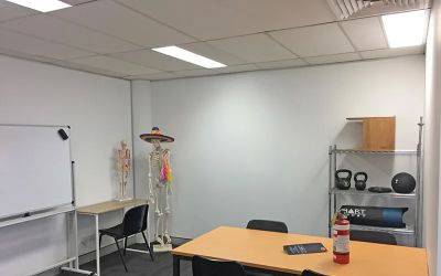 WELL CONFIGURED OFFICE - MOMENTS FROM KING STREET!