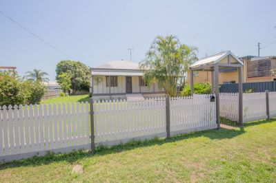 FULLY RENOVATED 4 BEDROOM HOME + 2 BATHROOMS ON 1012m2