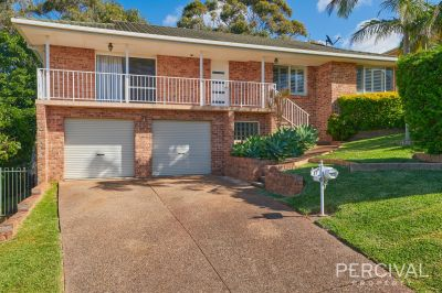 Beautiful Big Family Home In Lighthouse Beach!