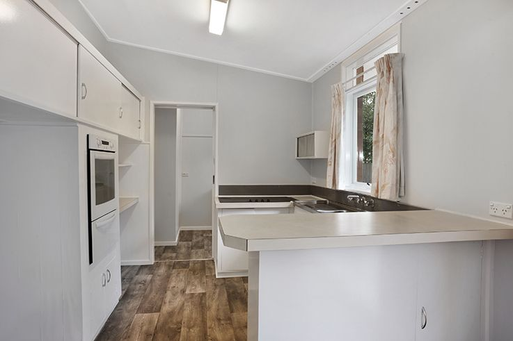 5 De Chair Avenue Springwood 2777