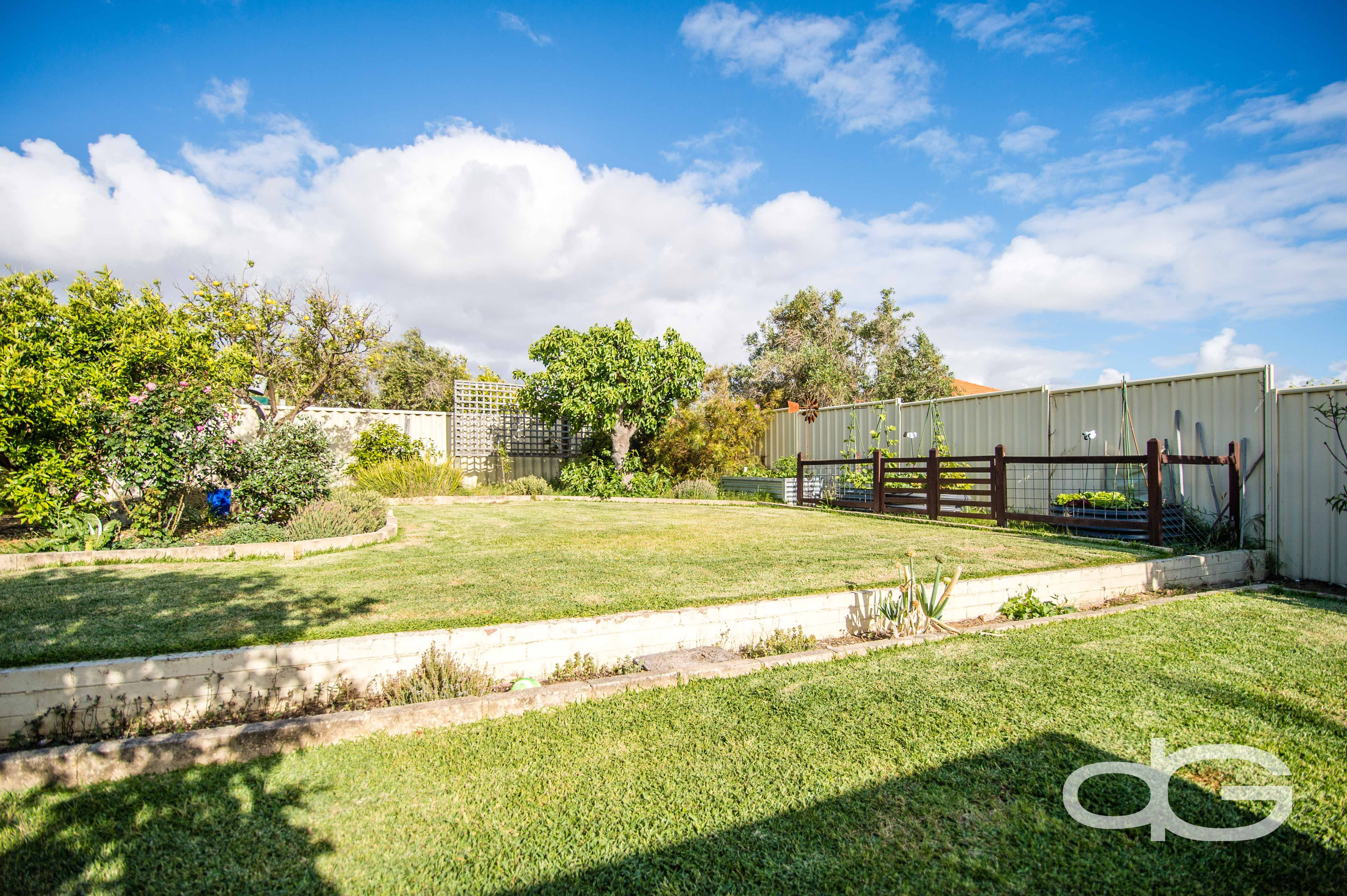 6 Simper Cres, White Gum Valley