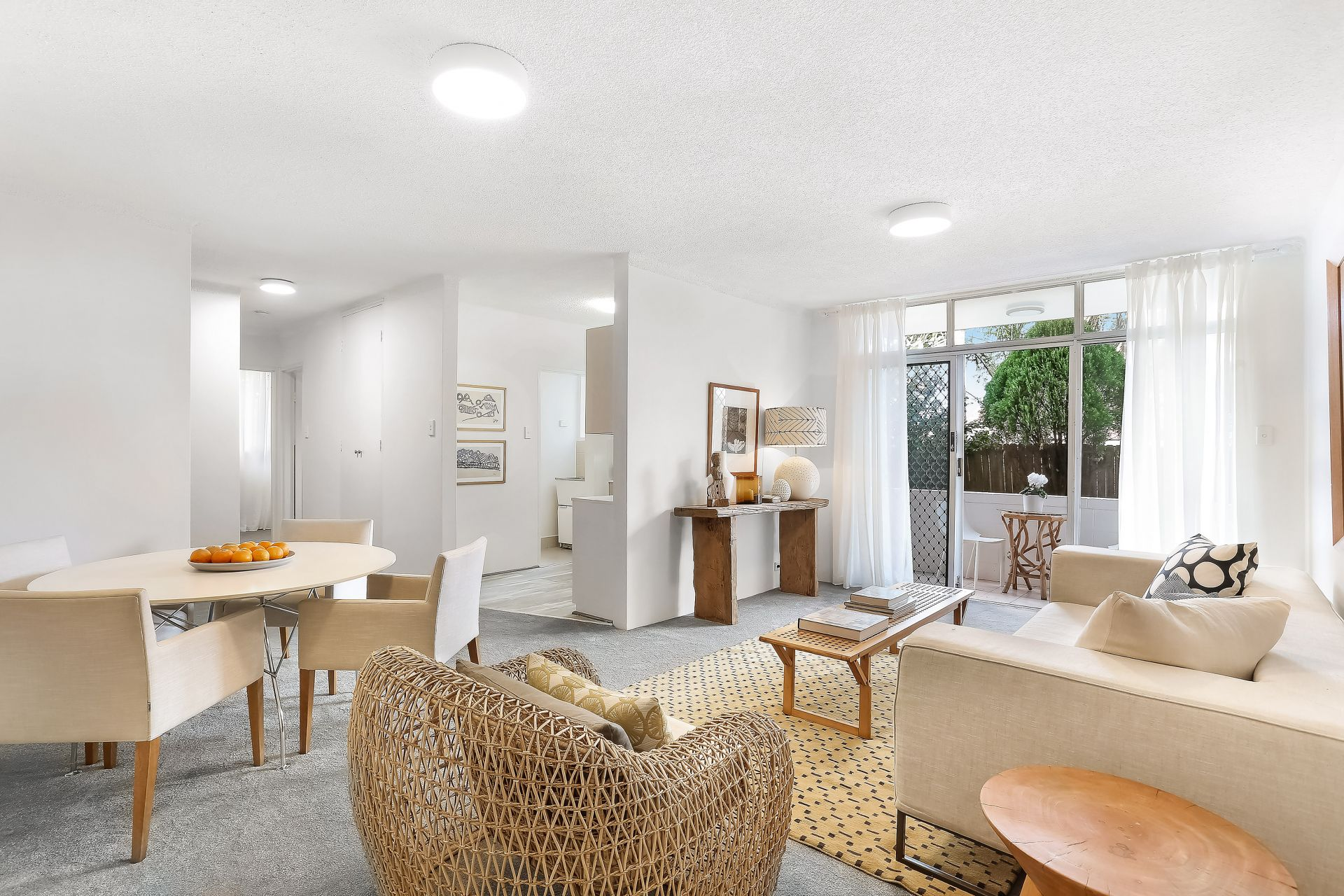 Substantial Ground Floor Apartment With Garden Access