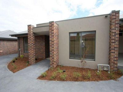 3 BEDROOM PAD CLOSE TO ALL - LEASE START BROUGHT EARLIER WITH NEGOTIATION