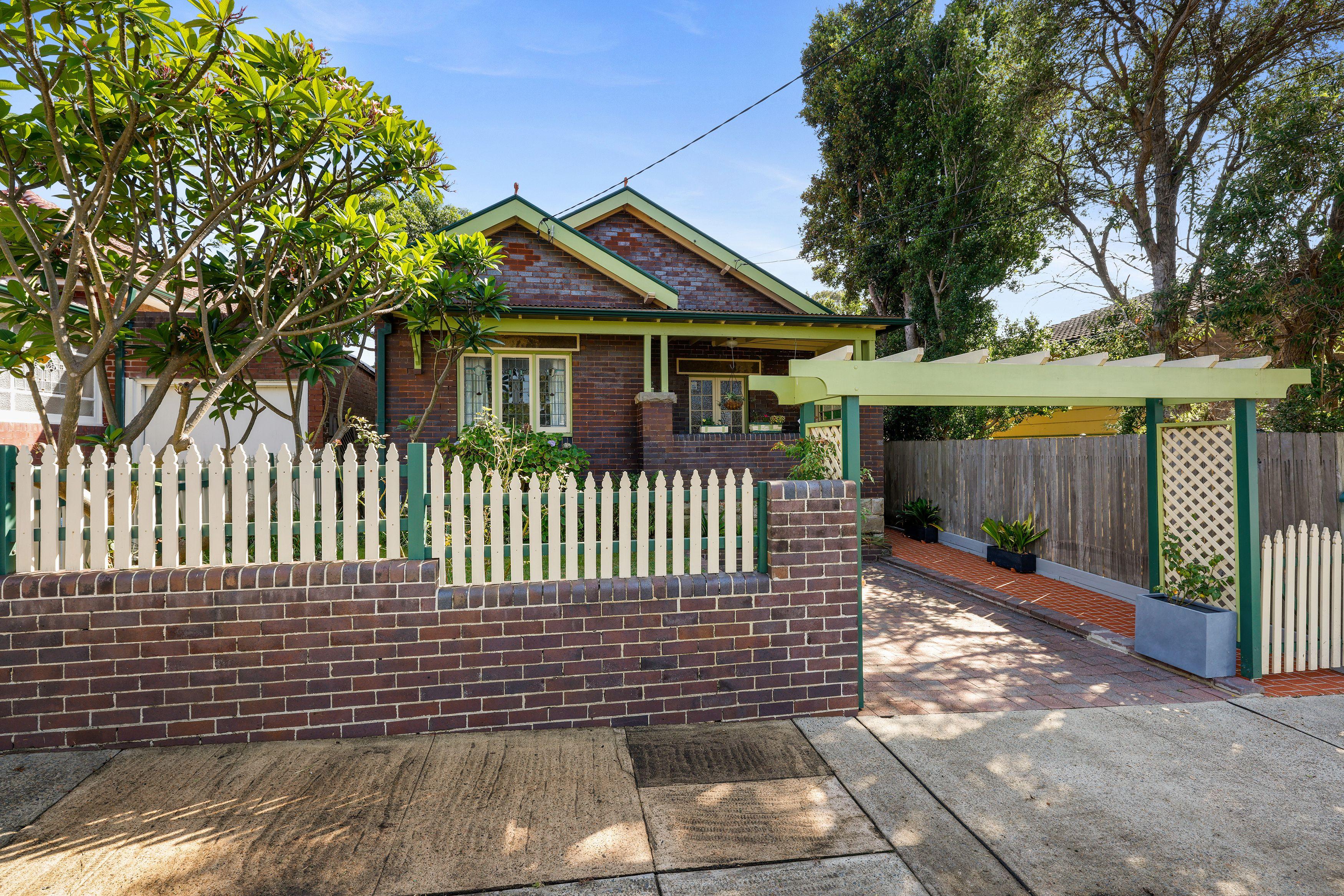 16 Murray Street, Russell Lea NSW 2046