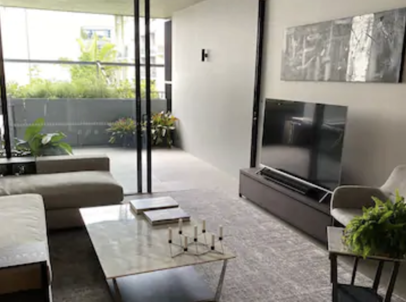 ALMOST NEW LUXURY 1 BEDROOM APARTMENT!