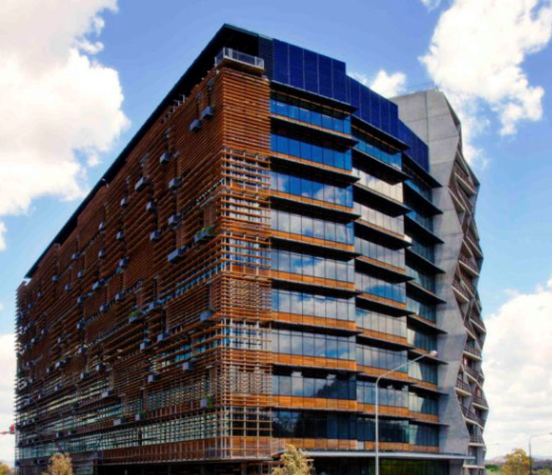 DOUBLE ADJOINING OFFICE IN LOW RATE LOCATED IN CANBERRA'S NISHI BUILDING