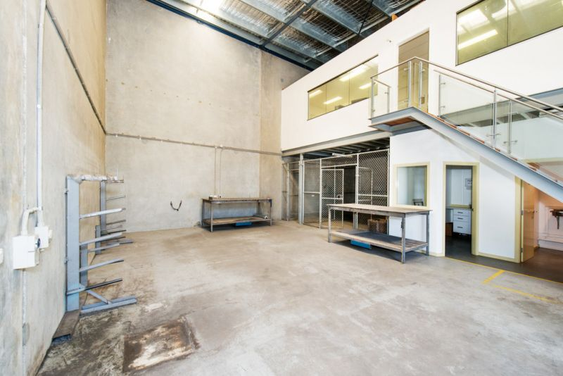 Warehouse & Office in an Industrial Estate