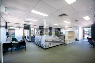 275sqm - Corporate Style Office with Excellent Onsite Parking