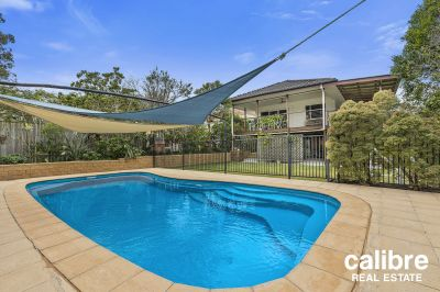 An easy walk down to the Laneway Restaurant Precinct.  Huge Entertaining Deck with Sun-Soaked Pool.  Spacious Home in a Quiet Spot