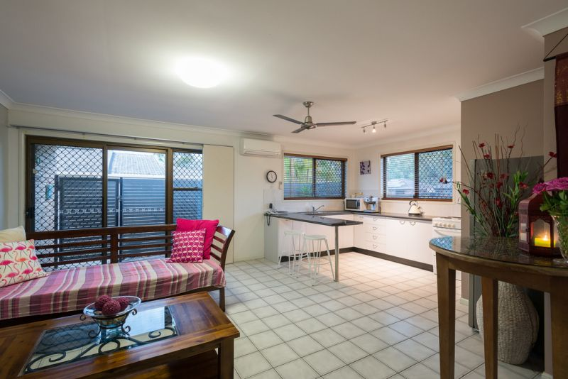 Best of both worlds - 10 minute walk to Mooloolaba Beach or relax and enjoy your pet friendly, private, leafy courtyard
