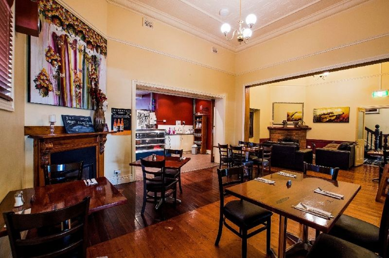 ROCHESTER WINE TAVERN BED & BREAKFAST WITH LONG TERM LEASE