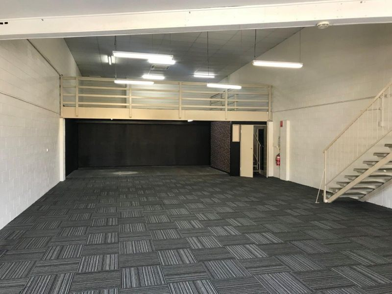 Showroom with Main Road Exposure