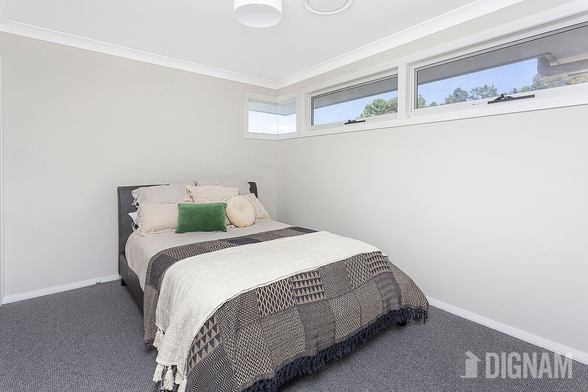 31 Royal Crescent, Woonona NSW