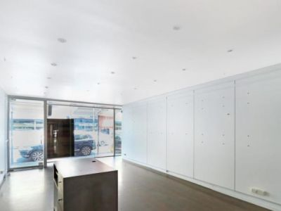 BLANK CANVAS OPPORTUNITY - EXCEPTIONAL EXPOSURE!