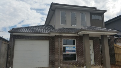 Fantastic brand new townhouse...3 bedrooms plus study and much more!