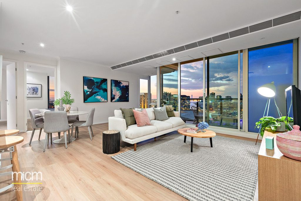 Stylishly Renovated Entertainer with Stunning City, Bay and River Views