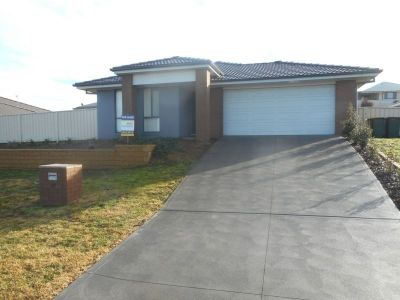 33 Honeyman Drive, Orange