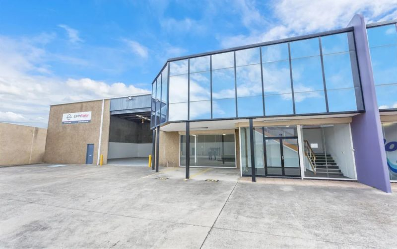 INDUSTRIAL WAREHOUSE | FOR LEASE | GREAT COMPLEX
