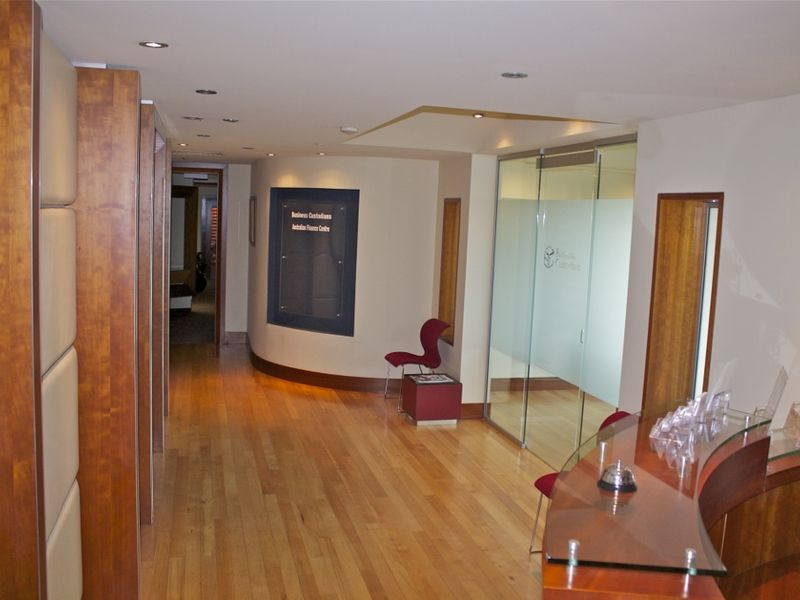 TOP FLOOR OFFICE SPACE IN CENTRAL LOCATION