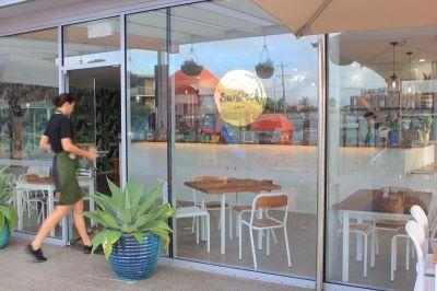 Cafe in Prime Locate & Beautiful Fitout