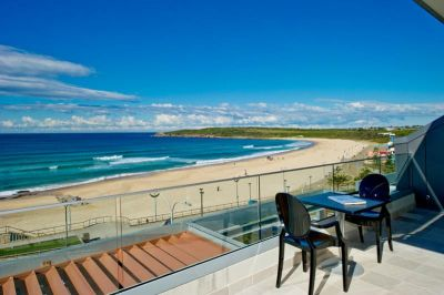 ULTRA MODERN AND CONTEMPORARY STYLE BEACH SIDE PENTHOUSE