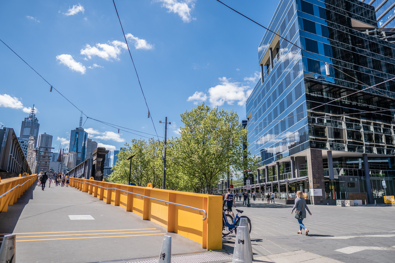 2-person private workspace along Melbourne's iconic Yarra River