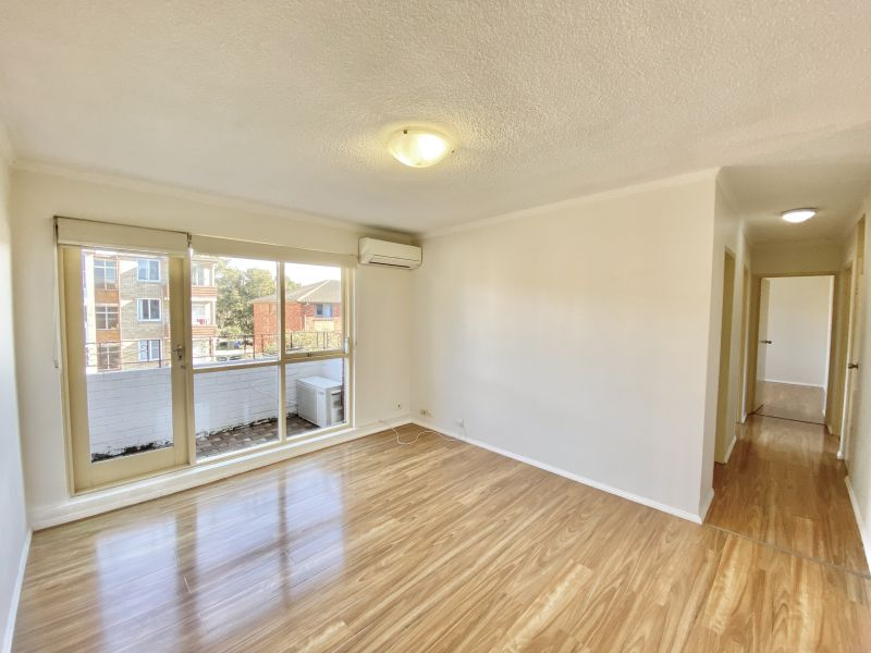 Fully Renovated 3 Bedroom with Study