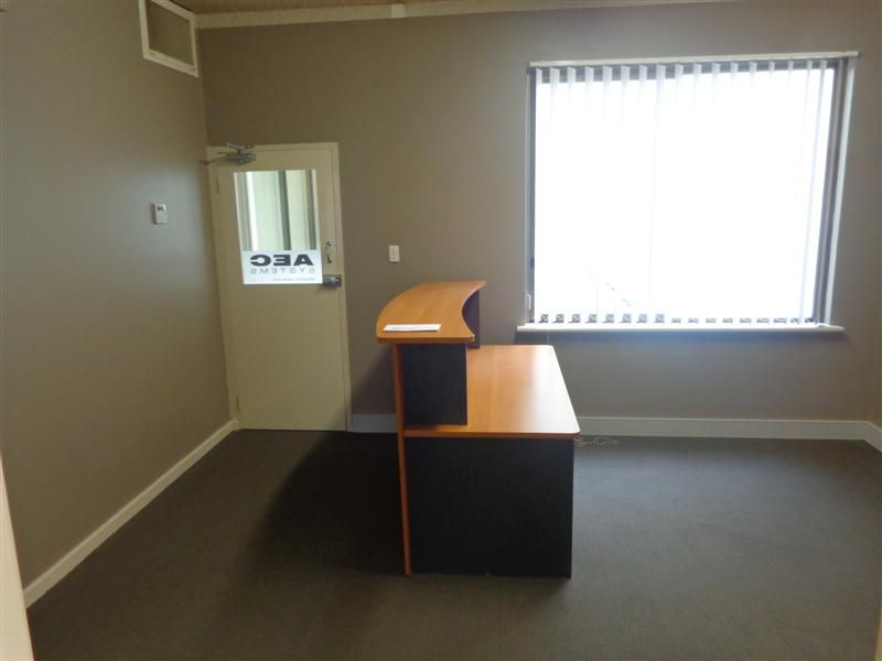 PARTITIONED OFFICE SPACE AVAILABLE NOW!