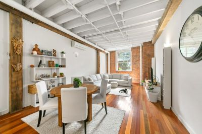 Beautiful, Spacious and Bright Woolstore - Pet Friendly!