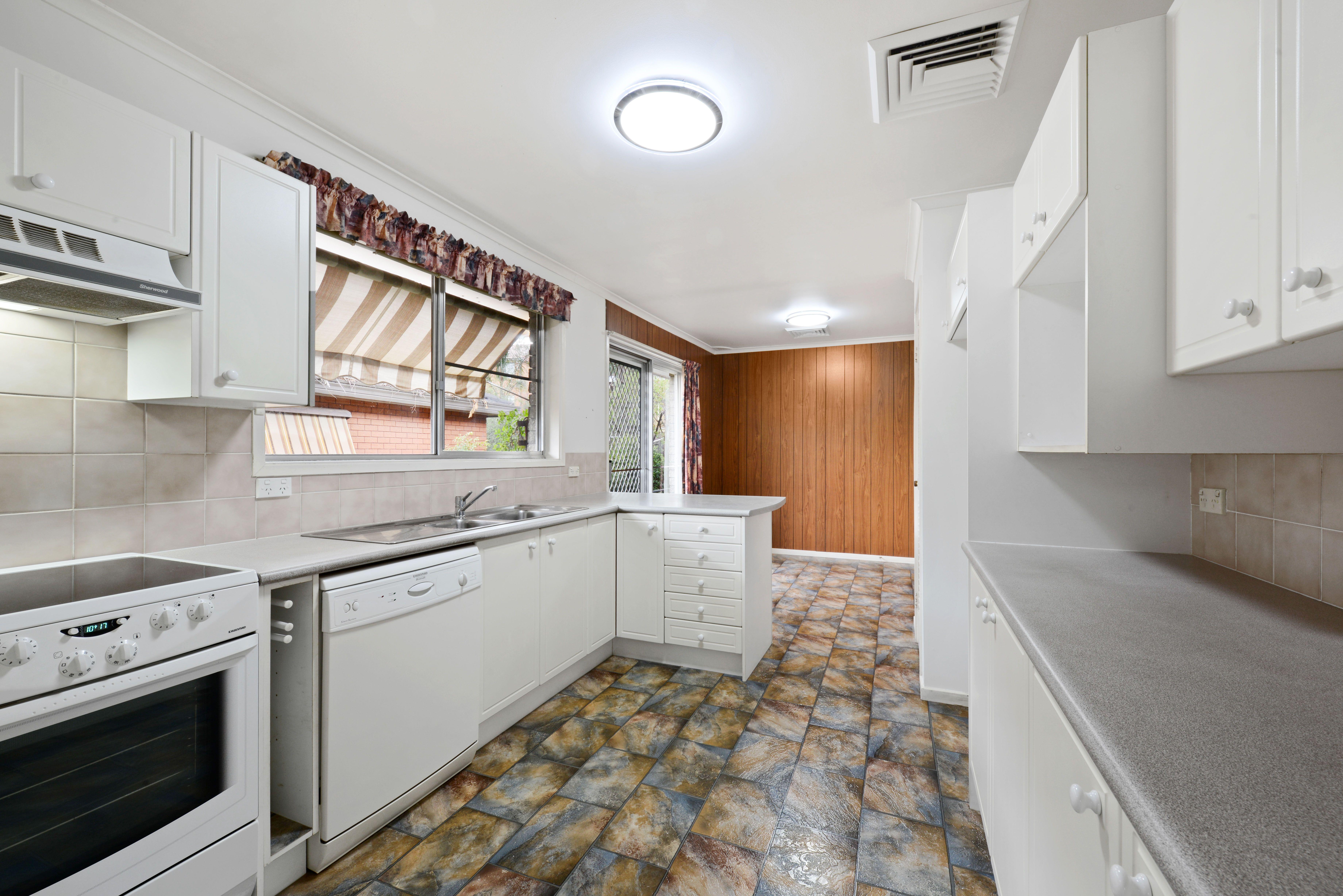 81 Amaroo Avenue, Georges Hall NSW 2198