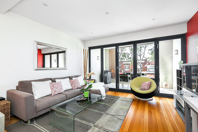 Luxurious Town House Style Apartment