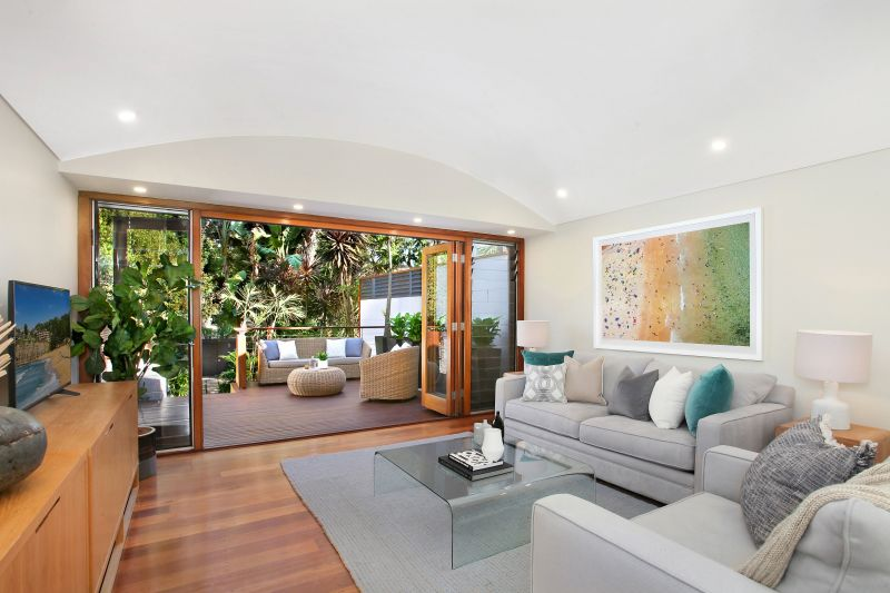 Stylish Contemporary Terrace, Light Filled Interiors & Deep Private Courtyard