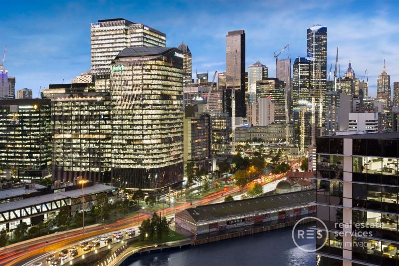 Extraordinary space and memorable CBD/river views