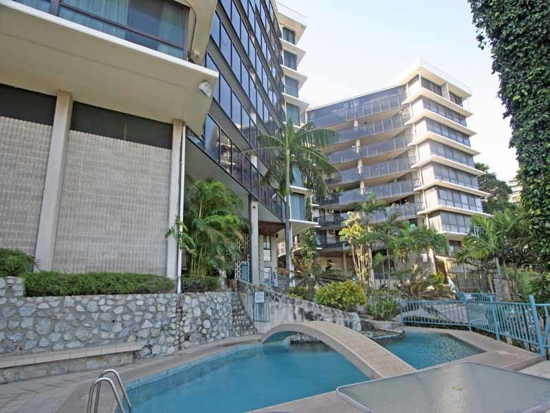 Large Floor Plan, Spacious living- sea views- U14 Idibana