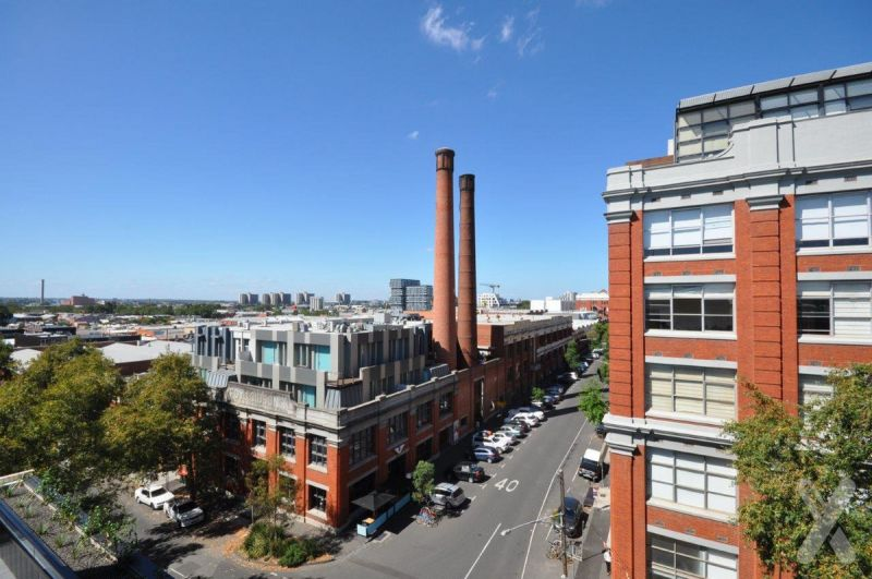 PRIVATE INSPECTION AVAILABLE - CORNER APARTMENT - 28 STANLEY STREET - 2 Bedroom Apartment for Lease with Spectacular Views