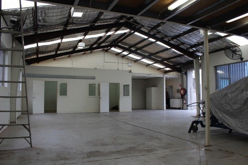 SECURE WAREHOUSE + OFFICE + 4 CAR SPACES